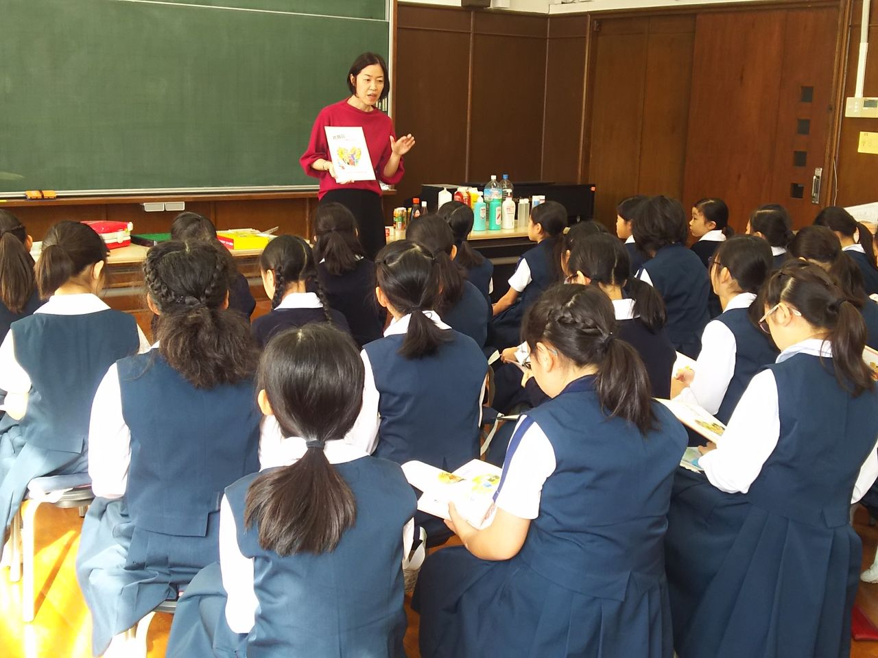 聖心女子学院 初等科で授業 | 共用品ニュース